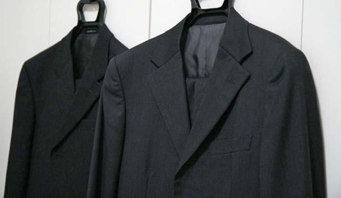 洗濯前のスーツ