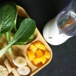 家庭菜園の小松菜とバナナでグリーンスムージーを作ってみた!