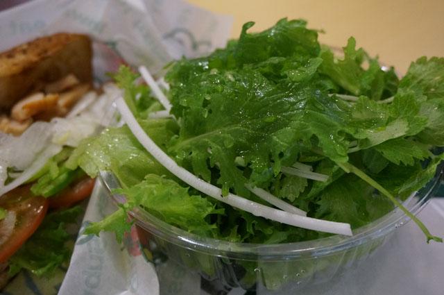 水耕栽培のグリーンサラダ
