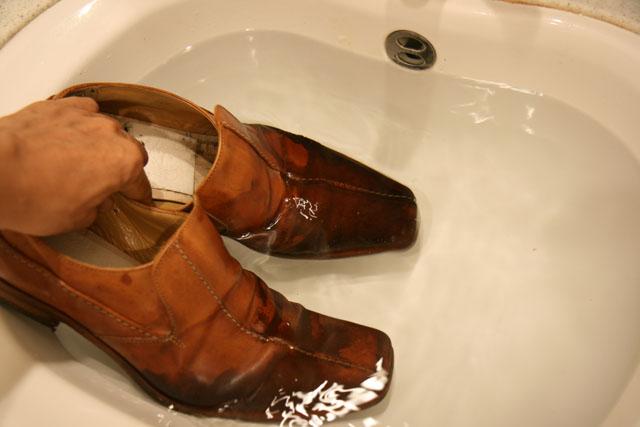 革靴洗濯03