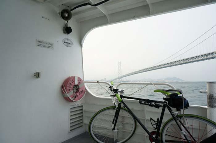 DSC08391明石大橋と自転車
