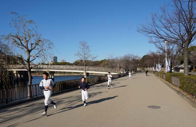DSC05476osakajyo-running