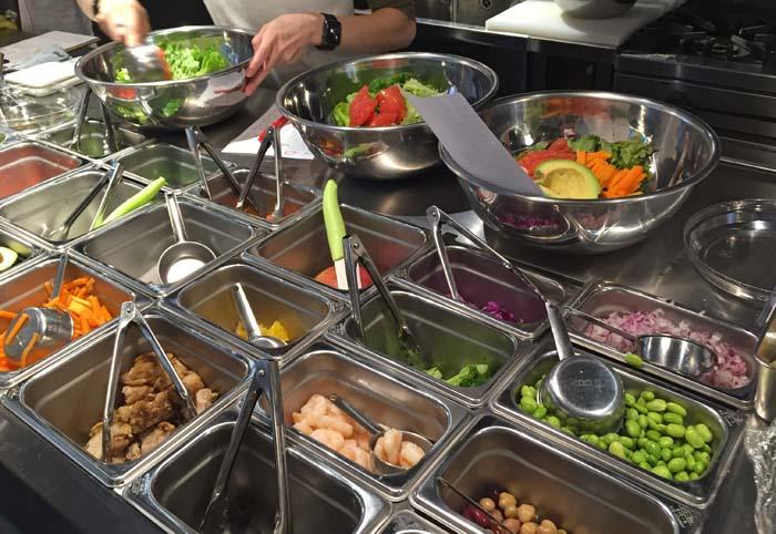 チョップドサラダ専門店フィールダーズチョイスのサラダボールでランチ!自分でも作ってみたよ