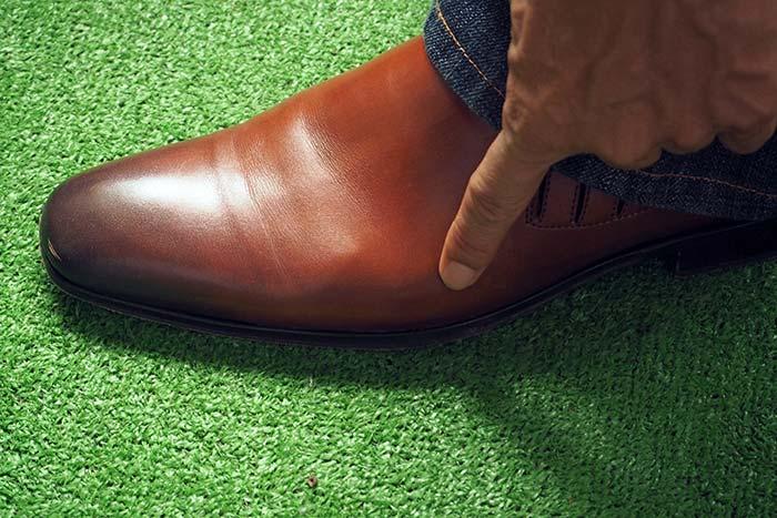 シューズストレッチャ使用後の革靴