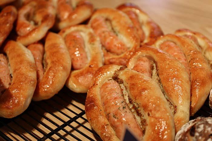 ウインナー入りパン