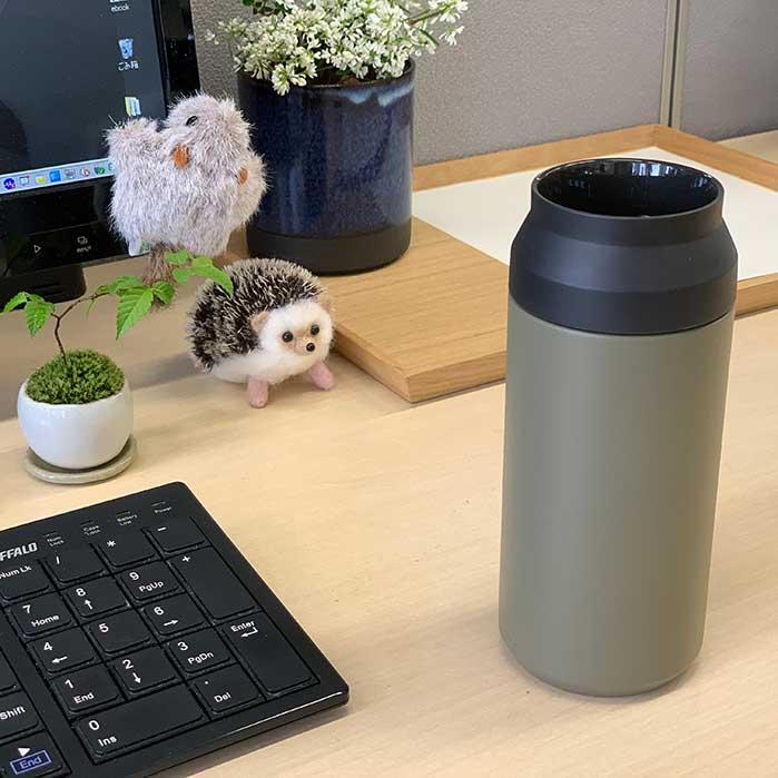 オフィスデスクに似合う水筒