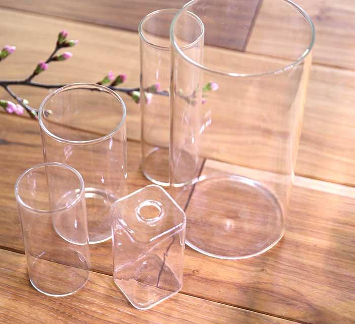 様々なガラスの花器