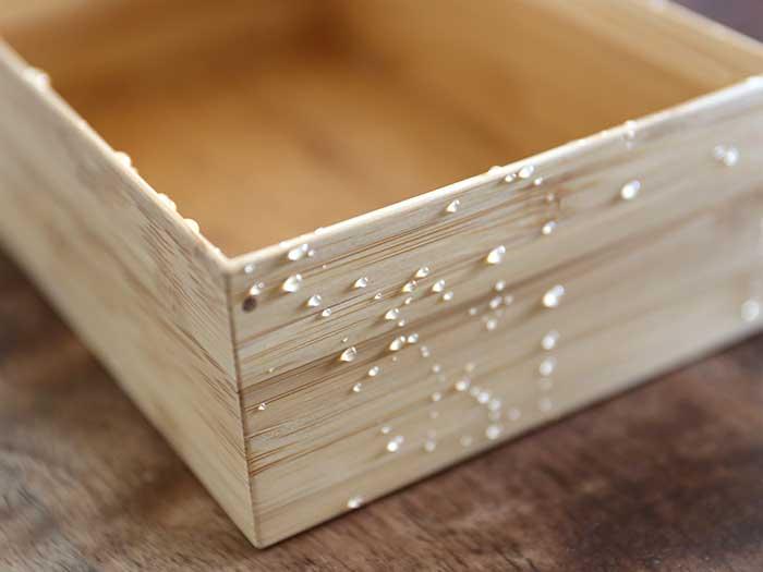 水をはじく竹製の弁当箱