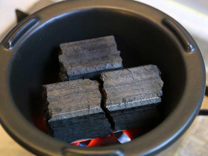 火がつかない炭