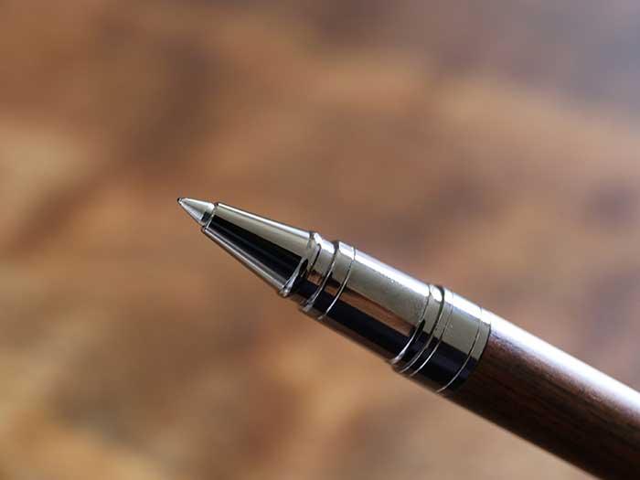 程よい強度と細さのペン先