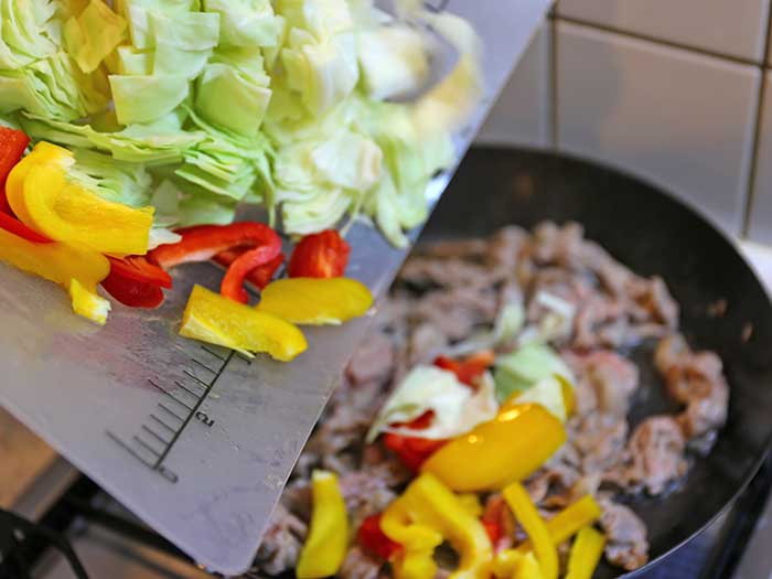 たっぷりの野菜も炒められる